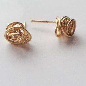 Jewelry - Knot gold earrings